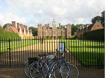 Cycle around Norfolk and see the beautiful sights